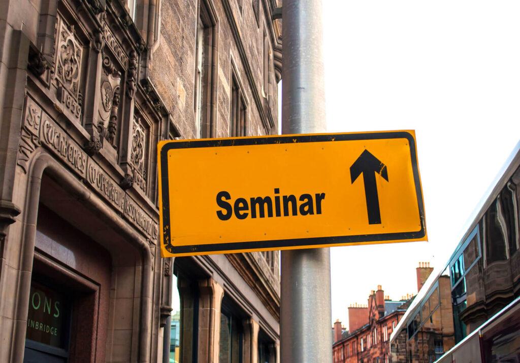 Strassenschild 44 - Seminar
